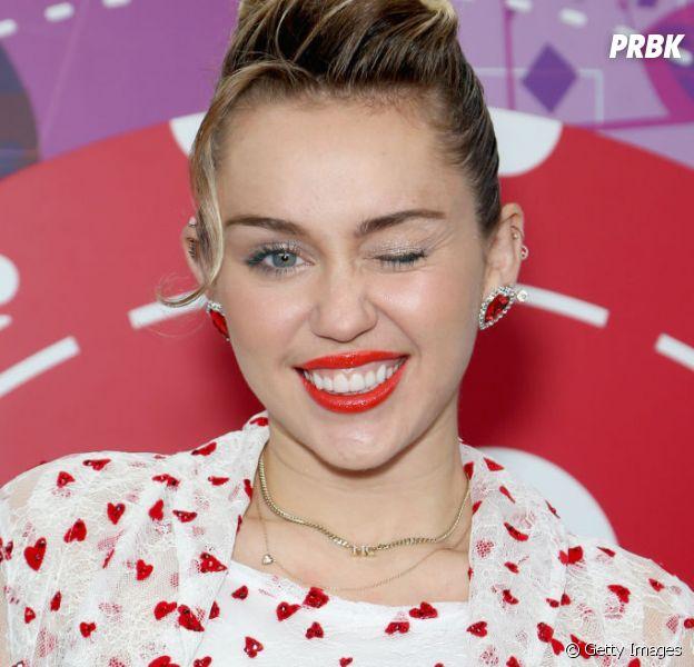 "Miley Cyrus está na 5ª temporada de ""Black Mirror"", revela Brandi Cyrus"