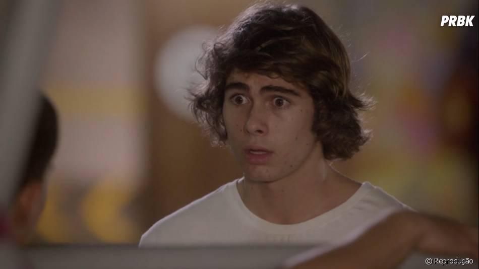 """Em """"Malhação"""", Pedro (Rafael Vitti) fica chocado ao descobrir que Duca (Arthur Aguiar) sabe toda a verdade"""