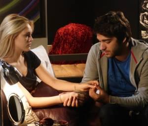 """Em """"Geração Brasil"""", Megan (Isabelle Drummond) pergunta se Davi (Humberto Carrão) quer terminar com ela"""