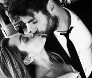 Miley Cyrus se declara para Liam Hemsworth e deixa todo mundo apaixonado pelo casal