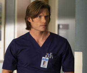 """Em """"Grey's Anatomy"""": Link (Chris Carmack) se envolve com Amelia (Caterina Scorsone)"""