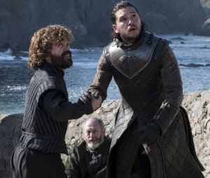 "Final ""Game of Thrones"": Kit Harington conta que viu Peter Dinklage chorar descontroladamente ao gravar sua última cena"
