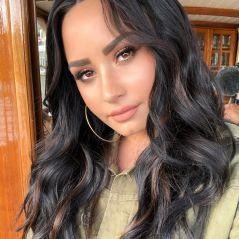 Demi Lovato está muito triste pelo término do namoro e amigos se preocupam com recaída