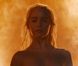 """Em """"Game of Thrones"""": Emilia Clarke não gostou das atitudes de Daenerys na série"""