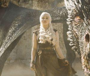 """Assim como na previsão de """"Os Simpsons"""", o fogo do dragão Drogon não deixou pedra sob pedra em Westeros"""