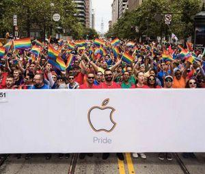 A Apple sempre defendeu os direitos dos LGBTs com ações internas e participações em grandes eventos, como a Parada Gay de São Francisco