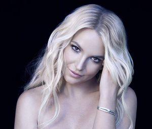 """Britney Spears e seu grande hit """"Toxic"""" ficaram com a sétima posição na lista da Revista Billboard de melhores clipes do século"""