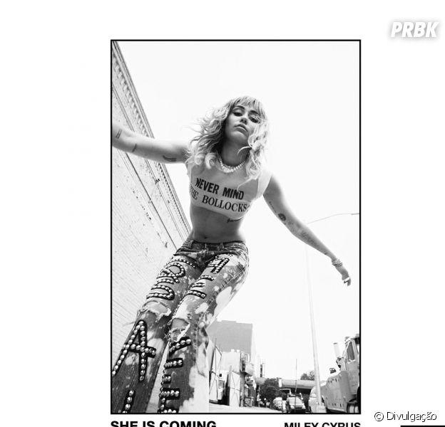 """Miley Cyrus vai lançar projeto novo, o """"She Is Coming"""" na próxima sexta-feira (31)!"""