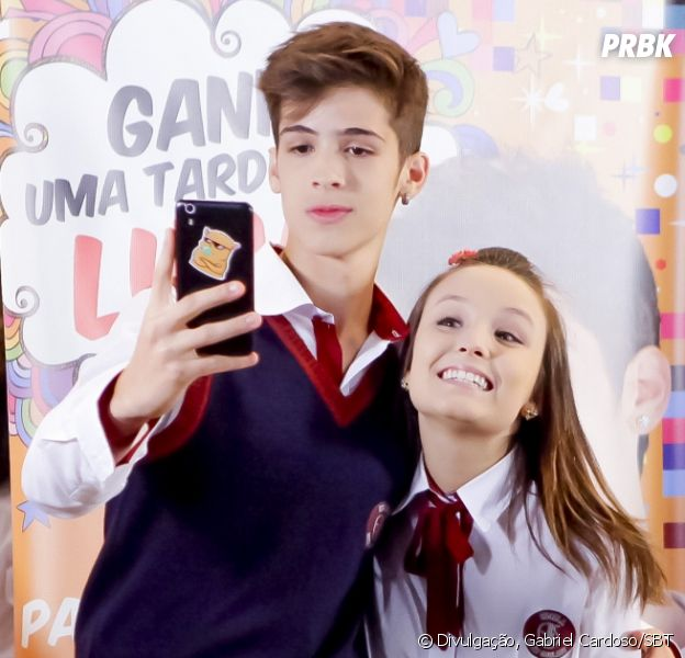 "Novela ""As Aventuras de Poliana"": Luca Tuber (João Guilherme) pede Mirela (Larissa Manoela) em namoro"