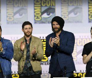"""Estrelas de """"Supernatural"""" se emocionam ao se despedir dos fãs na SDCC"""