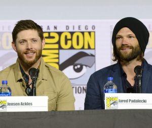 """Final """"Supernatural"""": Jared Padalecki e Jensen Ackles se emocionam com despedida da série"""