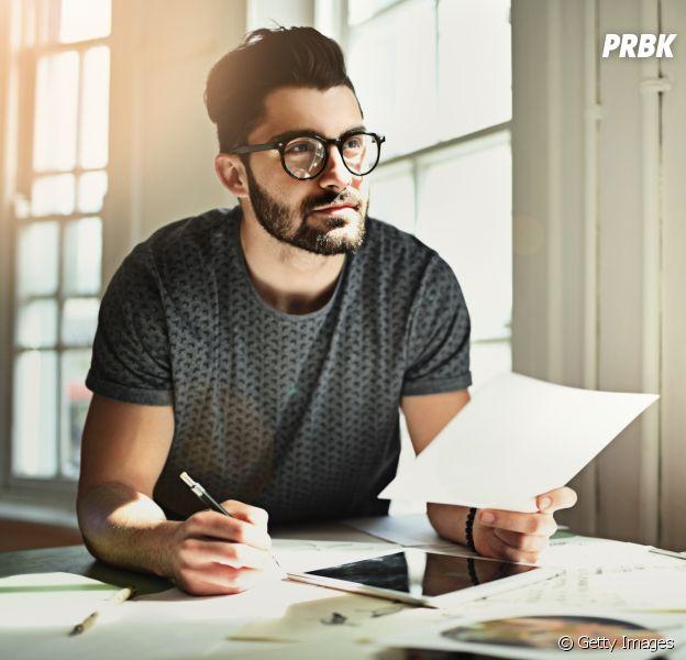 Gosta de escrever? Existem várias profissões que combinam com você!