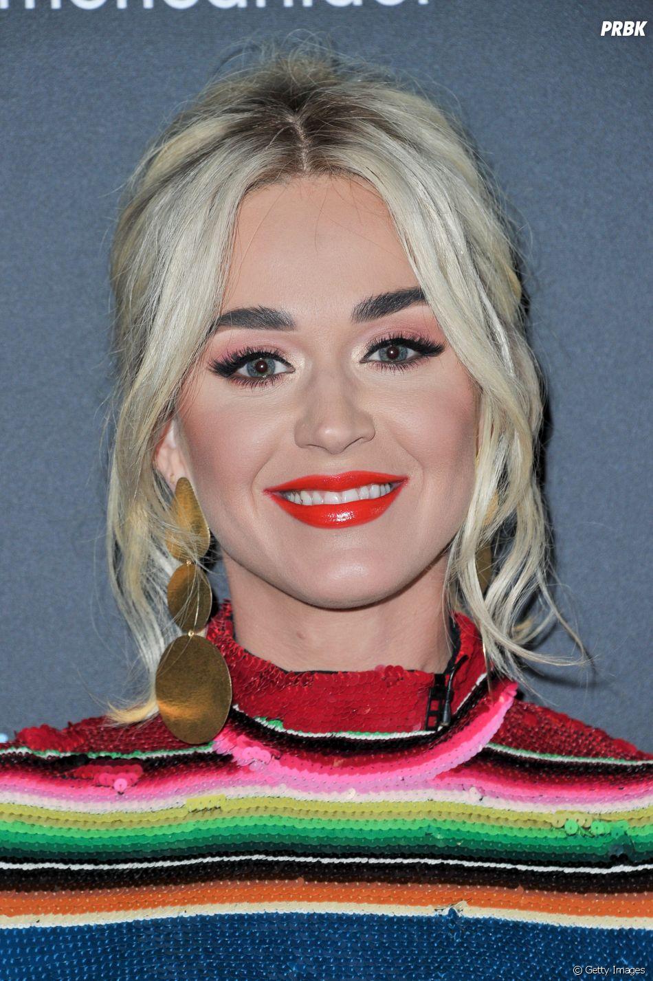 """Caso """"Dark Horse"""": a diva do pop Katy Perry teria feito a cópia da música do rapper Flame"""