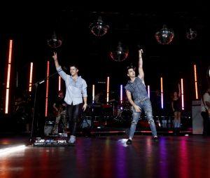 """Os Jonas Brothers fizeram um super show no VMA 2019 com """"Sucker"""" e """"Only Human"""""""