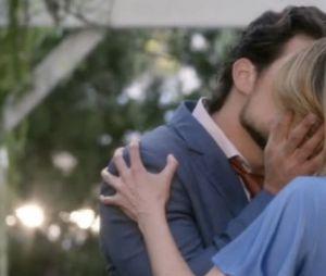 """Roteirista se irritou com vazamento de roteiro de """"Grey's Anatomy"""" e introduziu DeLuca (Gioacomo Gioanniotti) na vida de Meredith (Ellen Pompeo)"""