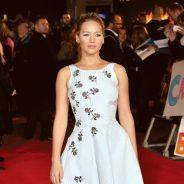 """Jennifer Lawrence e elenco de """"Jogos Vorazes"""" se encontram na première do filme"""