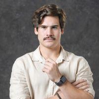 """Cansado de fazer mocinhos, Nicolas Prattes pediu para fazer Alfredo em """"Éramos Seis"""""""