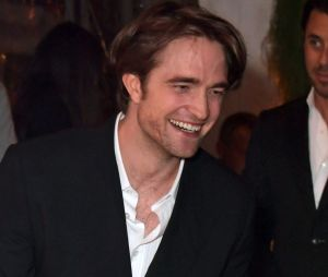 Robert Pattinson insinua que a ficha ainda não caiu por interpretar o Batman nos cinemas