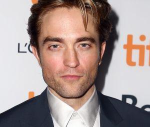 Robert Pattinson já até provou o uniforme do Batman