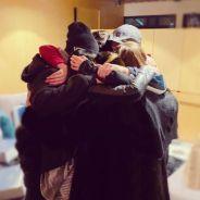 ACONTECEU! RBD posta foto reunido 11 anos após o fim e fãs acreditam em volta