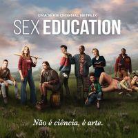 """Atriz de """"Sex Education"""" quase não aceitou participar da série: """"Não tinha certeza se teria futuro"""""""