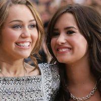 """Demi Lovato revela que não é mais amiga de Miley Cyrus: """"Desejo a ela o melhor"""""""