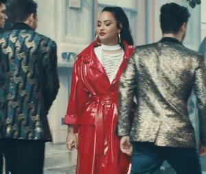 """Jonas Brothers aparecem no clipe de """"I Love Me"""", da Demi Lovato! Entenda as referências"""