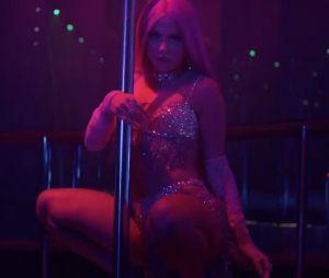 """Luísa Sonza é uma assassina disfarçada de stripper no clipe de """"Braba"""""""