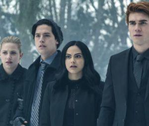 """""""Riverdale"""" voltará a ser exibida em meio à quarentena"""