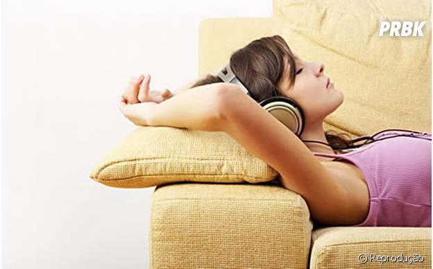 Ouvir música pode ser muito mais proveitoso do que ficar no Facebook
