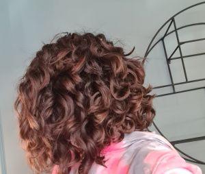 Em transição capilar, Maisa corta o cabelo bem curtinho