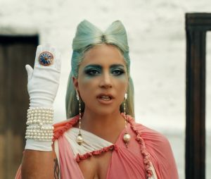"""Lady Gaga em """"911"""": 6 provas de que ela entregou tudo o que os gays pediram"""