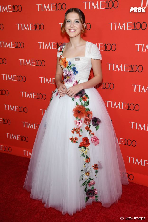 Millie Bobby Brown aposta em look com flores na Time 100 Gala de 2017