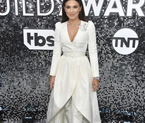 Millie Bobby Brown no 26th Annual Screen Actors Guild Awards, em 2020