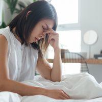 Estes efeitos do isolamento social na saúde mental provam por que você deve se culpar menos!