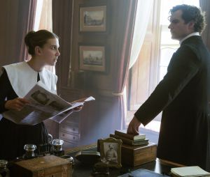 """Millie Bobby Brown e Henry Cavill retornam para """"Enola Holmes 2"""", confirma Netflix"""