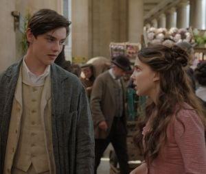 "Em ""Enola Holmes"", Louis Partridge interpreta Lorde Tewksbury, par romântico da personagem de Millie Bobby Brown"