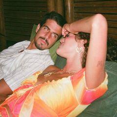 """Bruna Maquezine sobre namoro com Enzo Celulari: """"A paz de ter um relacionamento tranquilo"""""""