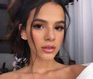 Bruna Marquezine diz que ficou desconfiada do seu relacionamento com Enzo Celulari por ser muito saudável