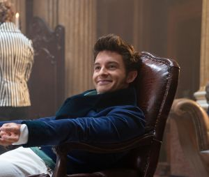 """Bridgerton"": 2ª temporada focará no romance de Anthony (Jonathan Bailey) com Kate (Simone Ashley)"