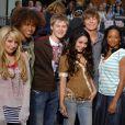"""""""High School Musical"""" foi lançado em 2006 e revelou grandes nomes, como Zac Efron, Vanessa Hudgens, Ashley Tisdale e mais"""