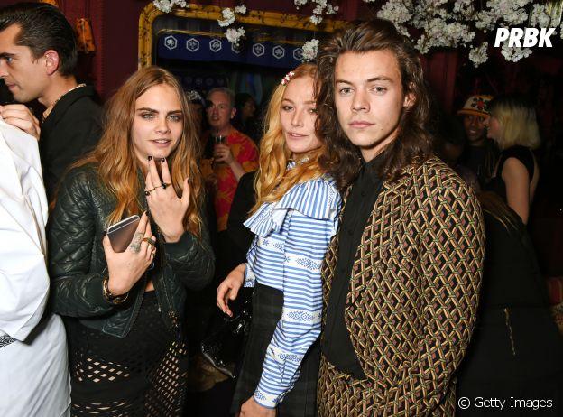 Harry Styles namorou a modelo Cara Delevingne