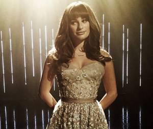 """Na 6ª temporada da série """"Glee"""": Lea Michele (Rachel Berry) dá o seu toque para o hit """"Let It Go"""""""