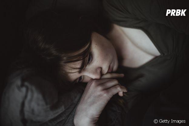 """Saúde mental:  """"O sono é um grande marcador que algo anormal está acontecendo"""", afirma Drª Natasha Ganem"""
