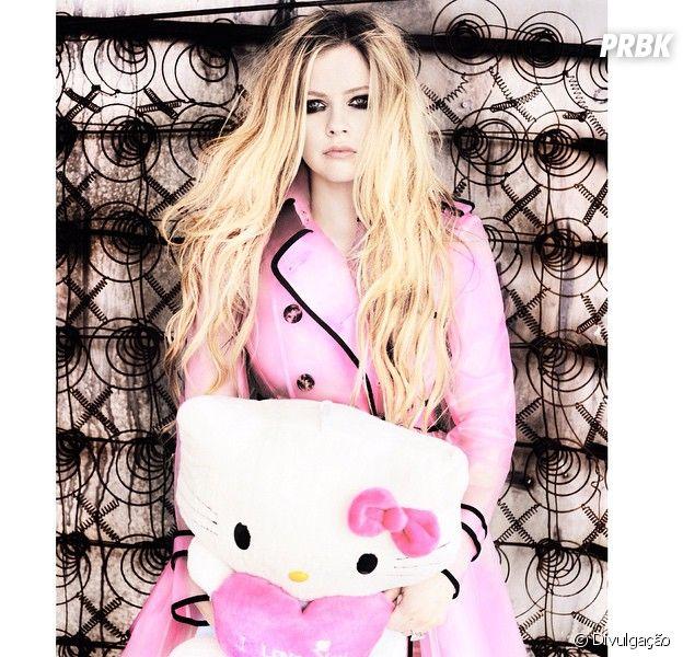 Avril Lavigne desmente rumores de que esteja em rehab