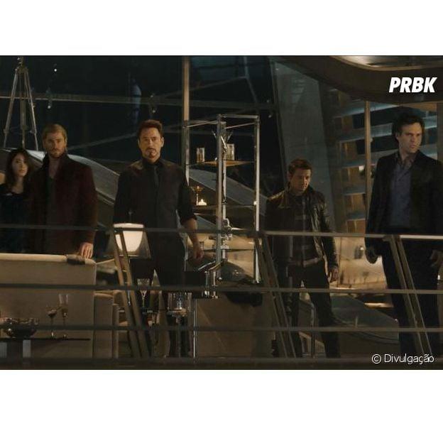 """Os Vingadores 2: A Era de Ultron"" conta com Chris Hemsworth, Chris Evans, Robert Downey Jr., Scarlett Johansson e Mark Ruffalo no elenco"