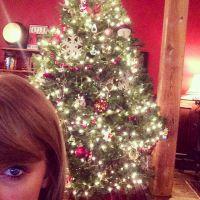 Taylor Swift mima fãs com presentes de Natal. Que fofa!