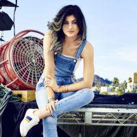 Kylie Jenner posa para primeira capa de 2015 da revista americana Cosmopolitan