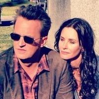 """Reunião de """"Friends"""": Matthew Perry participará de """"Cougar Town"""", série de Courteney Cox!"""
