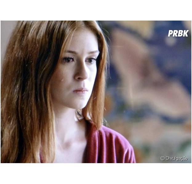 """Maria Isis (Marina Ruy Barbosa) chora ao ver Zé Alfredo (Alexandre Nero) com outra na cama em """"Império"""""""